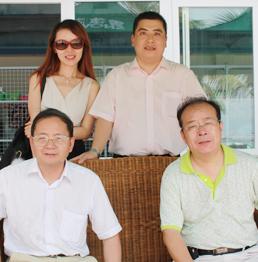 王總與廣告部領導和美心門盧總